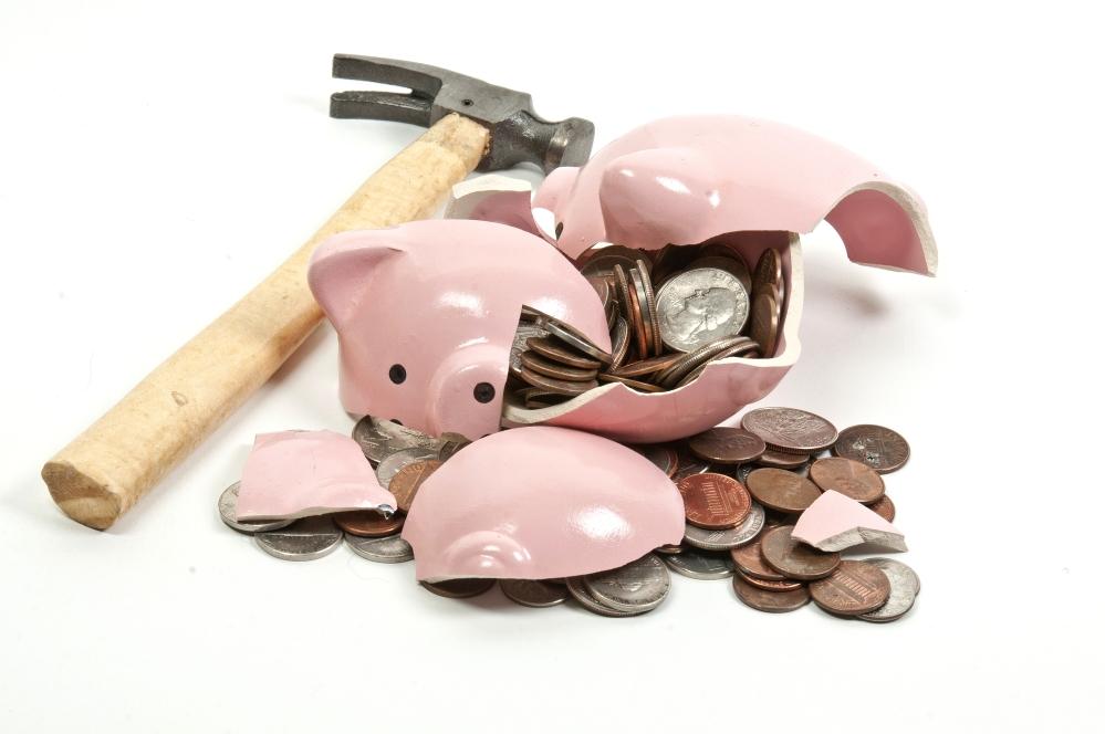 cofre quebrado economia moedas